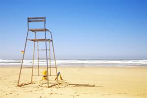 chaise-haute-plage-surveillance.jpg